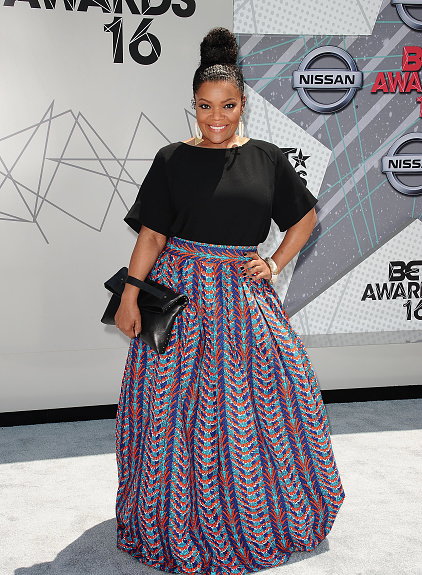 Award Show-Yvette Nicole Brown on the BET Awards 2016 Red Carpet 1