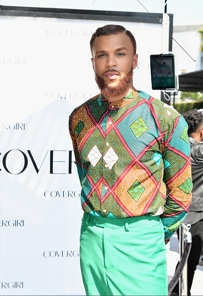 Jidenna and Rosalyn Gold-Onwude on the BET Awards 2016 Red Carpet 4