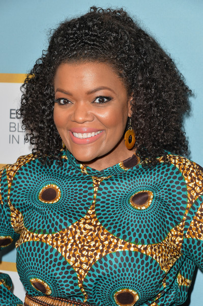 Luncheon-Yvette Nicole Brown's Leap of Style Dress for Essence's 9th Annual Black Women In Hollywood Luncheon 2016 3