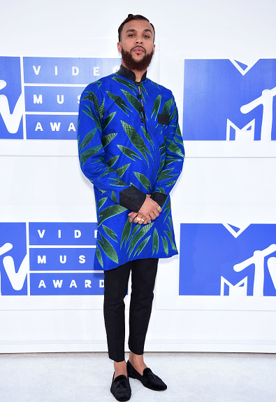 Award Show- Jidenna and Tiwa Savage on the MTV Awards 2016 Red Carpet 1