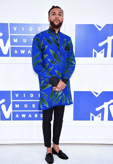Award Show- Jidenna and Tiwa Savage on the MTV Awards 2016 Red Carpet 1