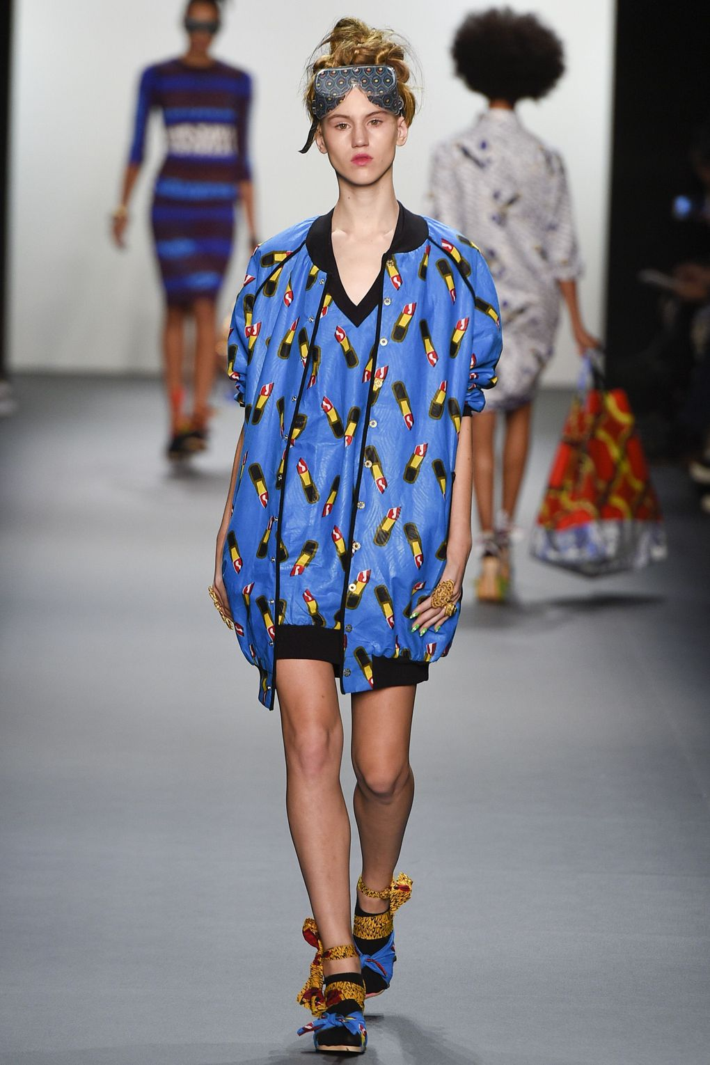 fashion-week-xuly-be%cc%88t-xuly-be%cc%88t-sprigsummer-2016-ready-to-wear-collection-14