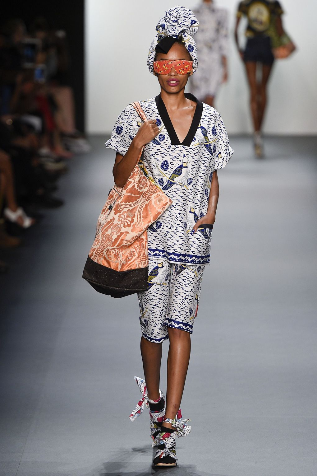 fashion-week-xuly-be%cc%88t-xuly-be%cc%88t-sprigsummer-2016-ready-to-wear-collection-11