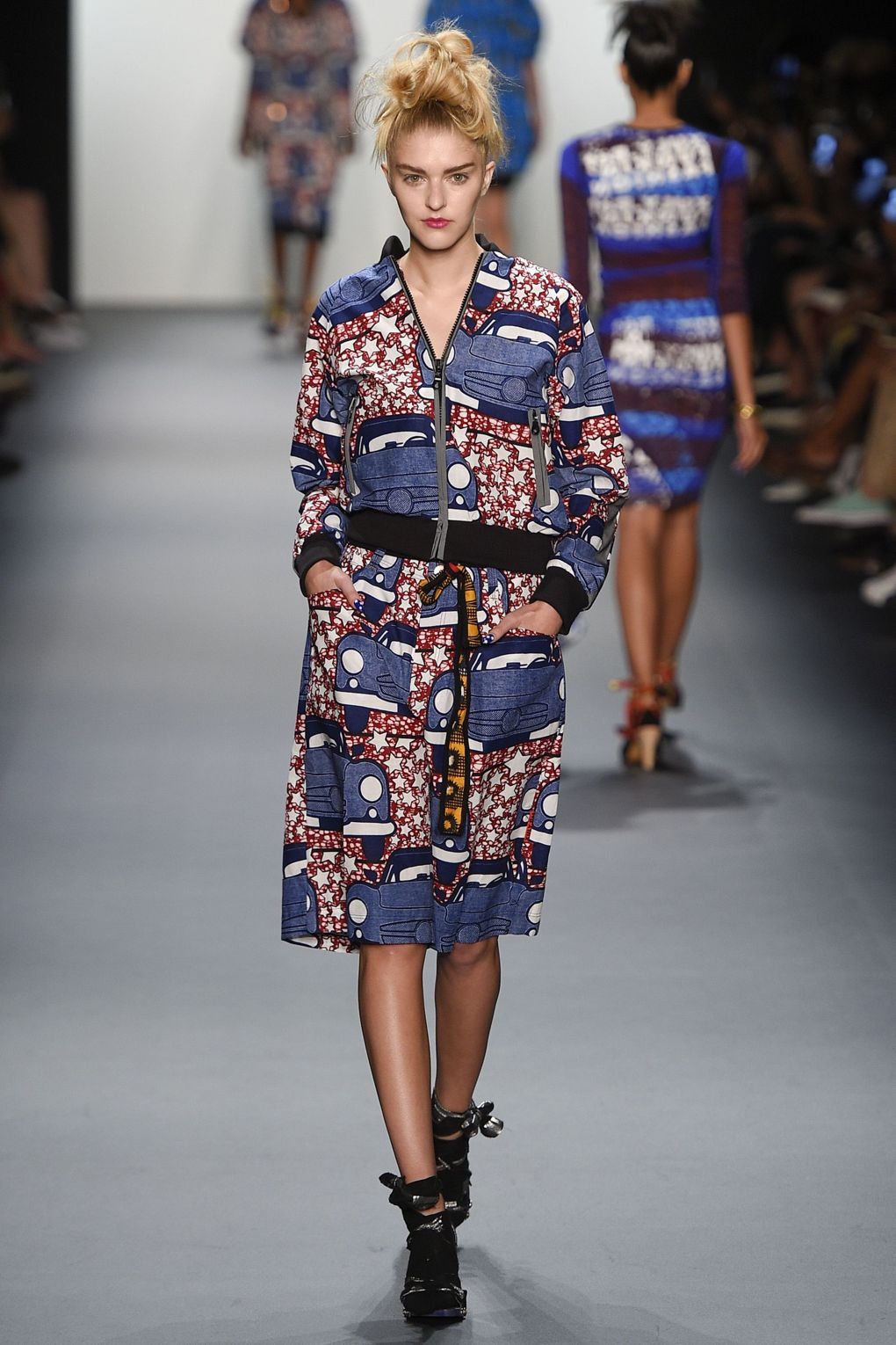 fashion-week-xuly-be%cc%88t-xuly-be%cc%88t-sprigsummer-2016-ready-to-wear-collection-16