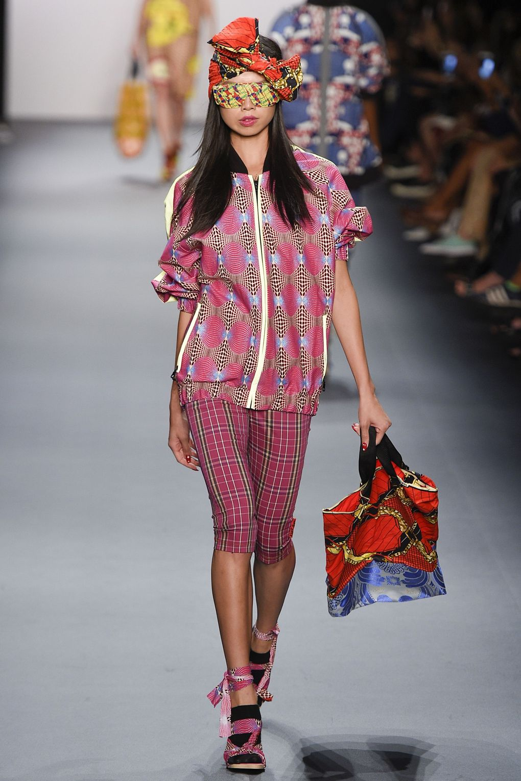 fashion-week-xuly-be%cc%88t-xuly-be%cc%88t-sprigsummer-2016-ready-to-wear-collection-18