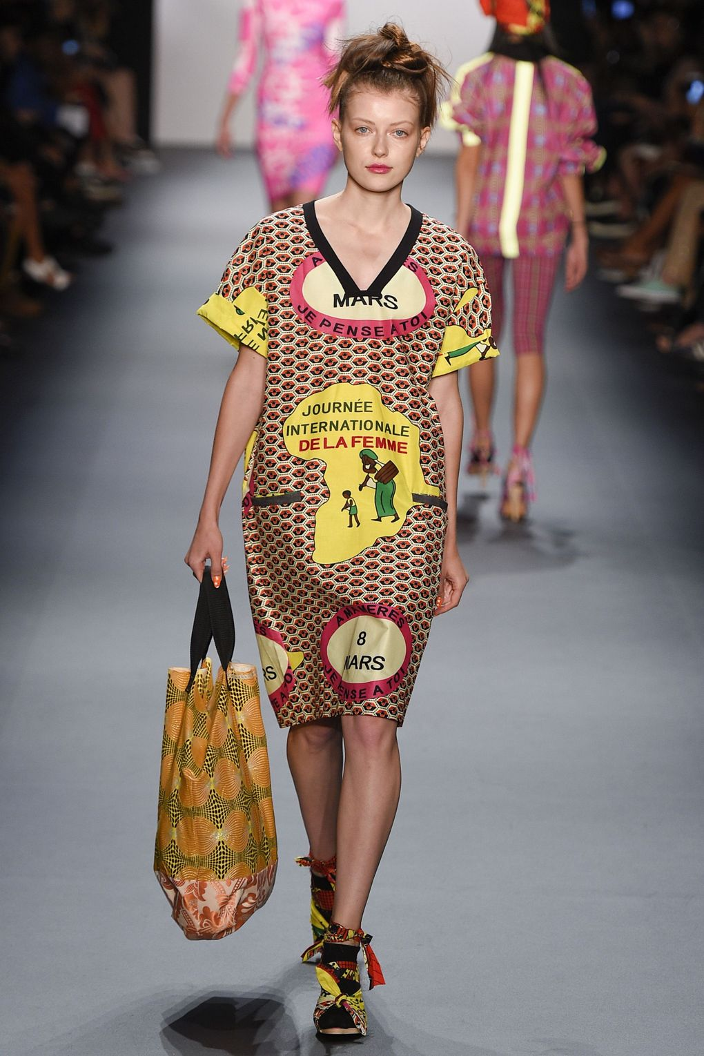 fashion-week-xuly-be%cc%88t-xuly-be%cc%88t-sprigsummer-2016-ready-to-wear-collection-19