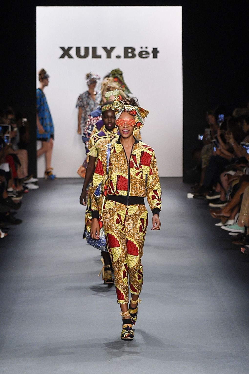 fashion-week-xuly-be%cc%88t-xuly-be%cc%88t-sprigsummer-2016-ready-to-wear-collection-25