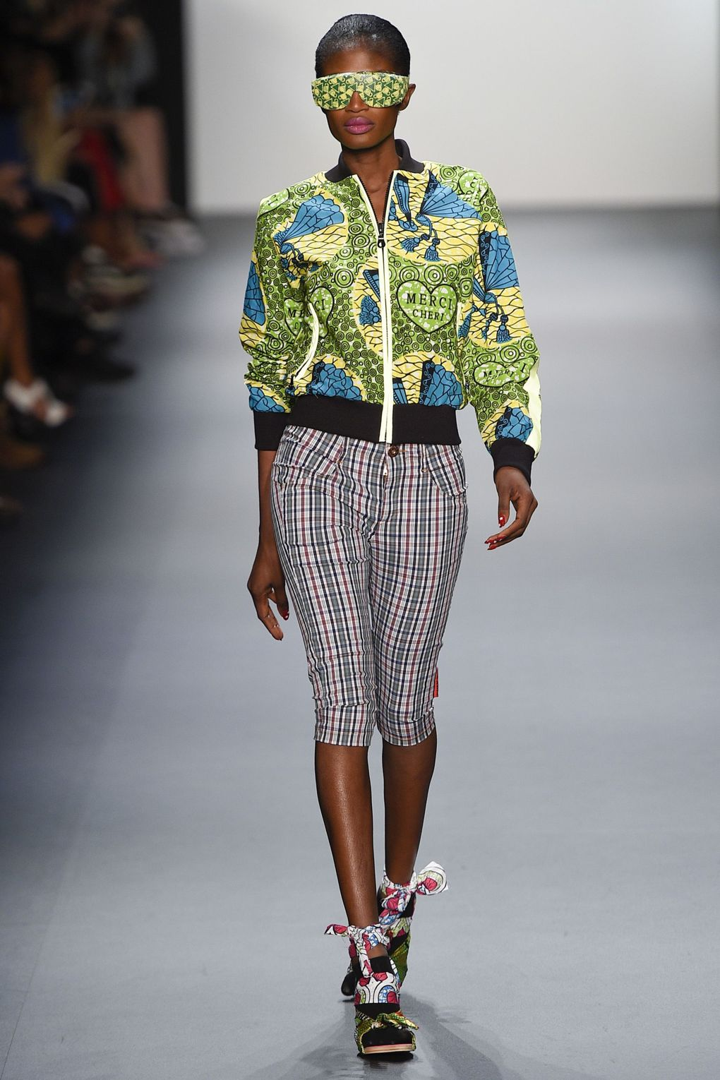fashion-week-xuly-be%cc%88t-xuly-be%cc%88t-sprigsummer-2016-ready-to-wear-collection-5