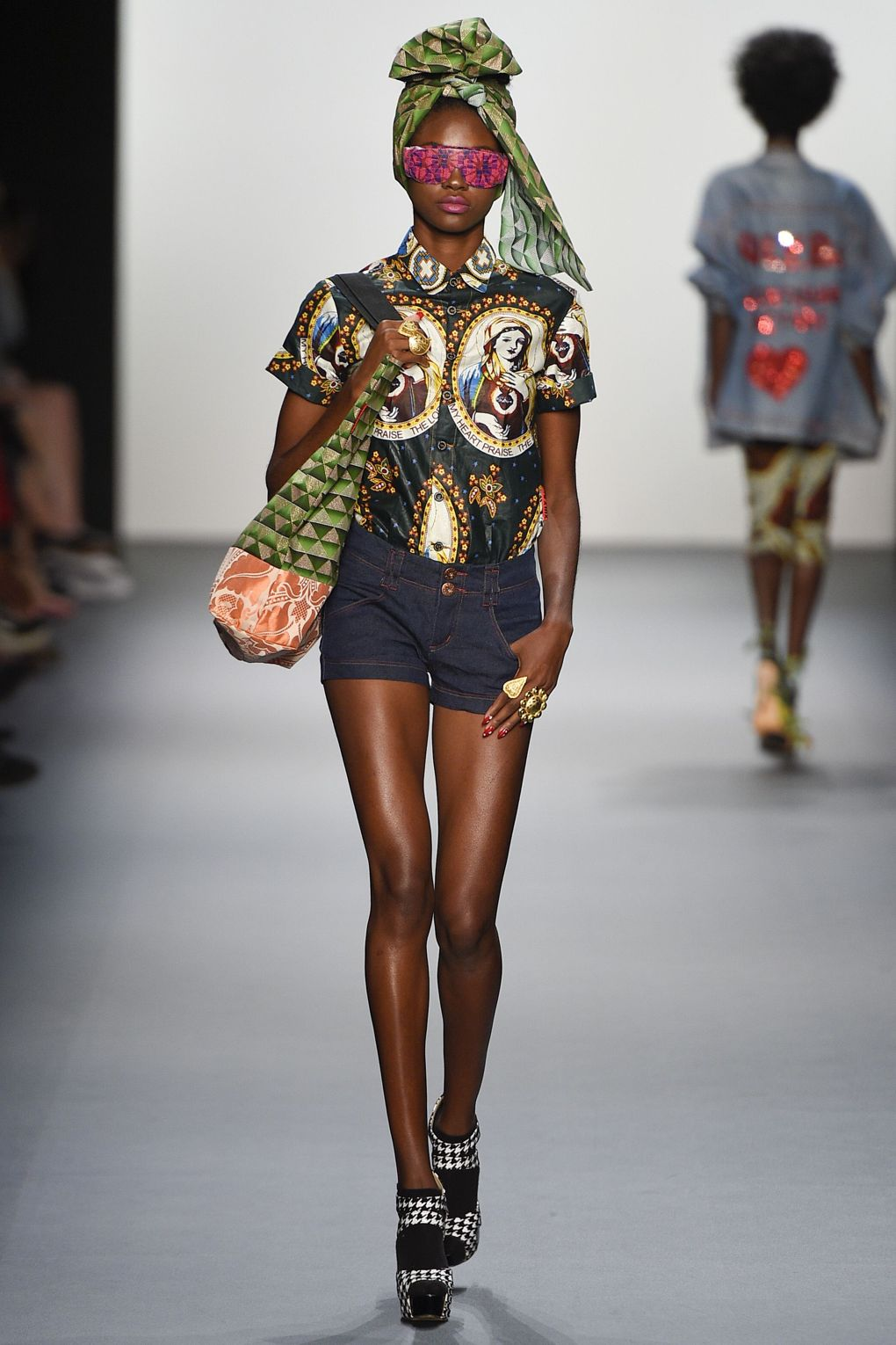 fashion-week-xuly-be%cc%88t-xuly-be%cc%88t-sprigsummer-2016-ready-to-wear-collection-9